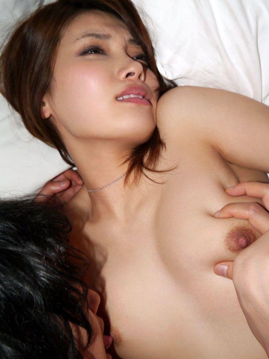 人妻 乳首責め 画像 25