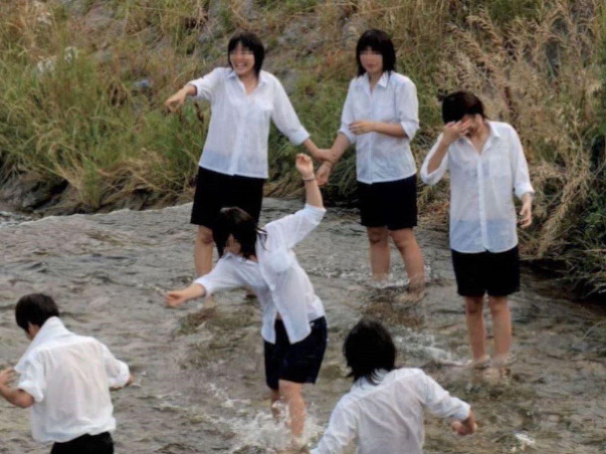 濡れ透け JK画像 12