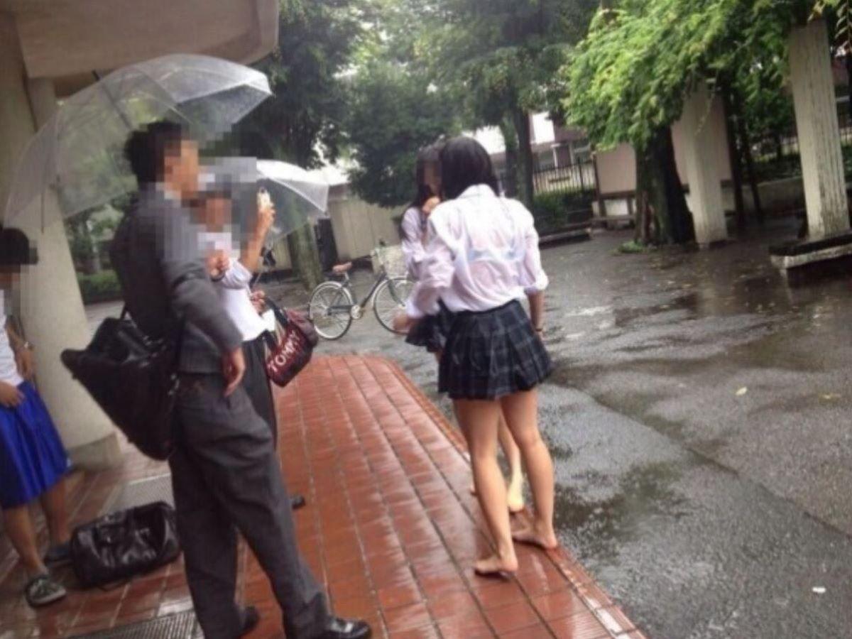 濡れ透け JK画像 16