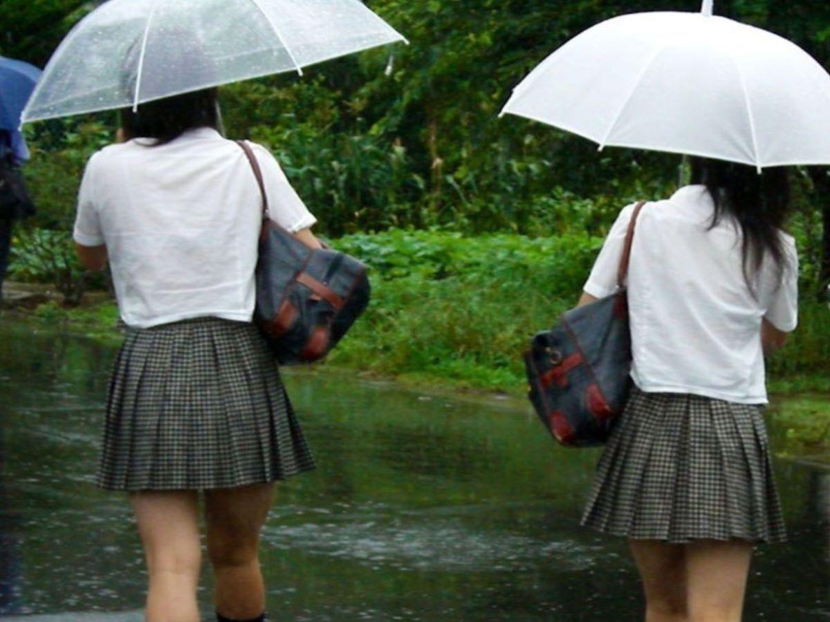 濡れ透け JK画像 17