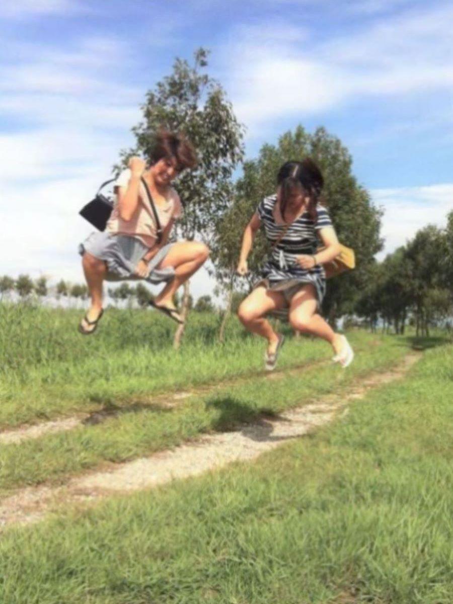ジャンプ パンチラ画像 2