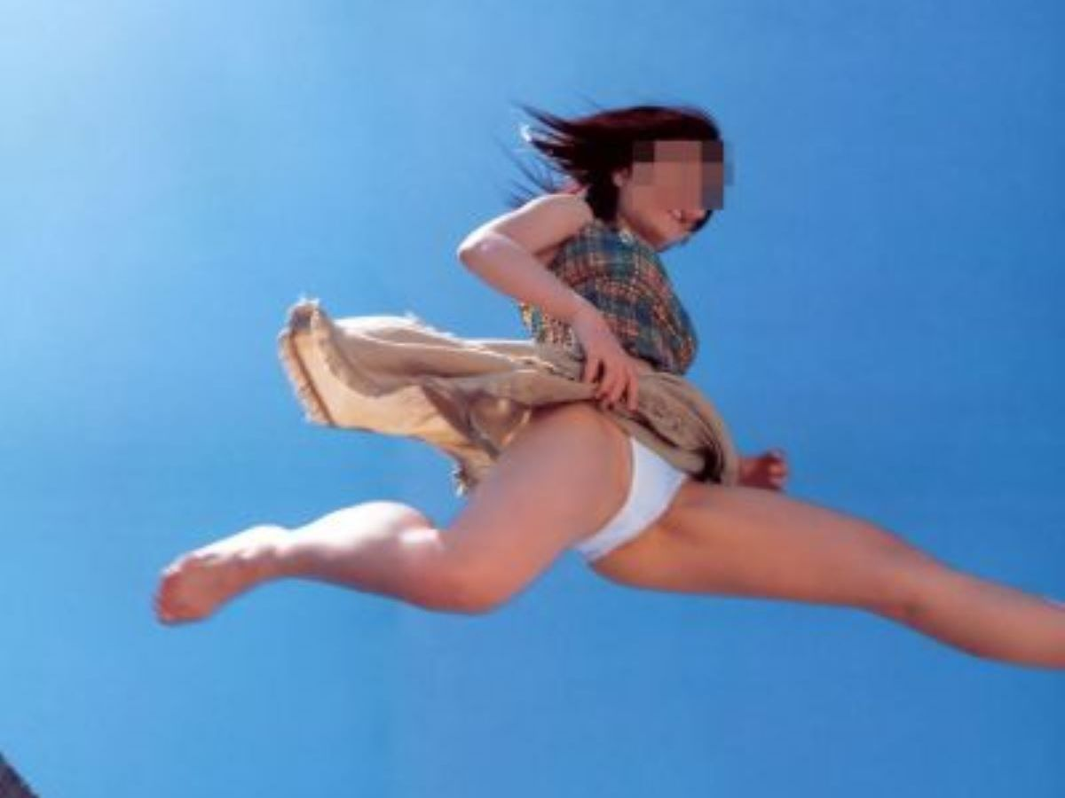 ジャンプ パンチラ画像 85
