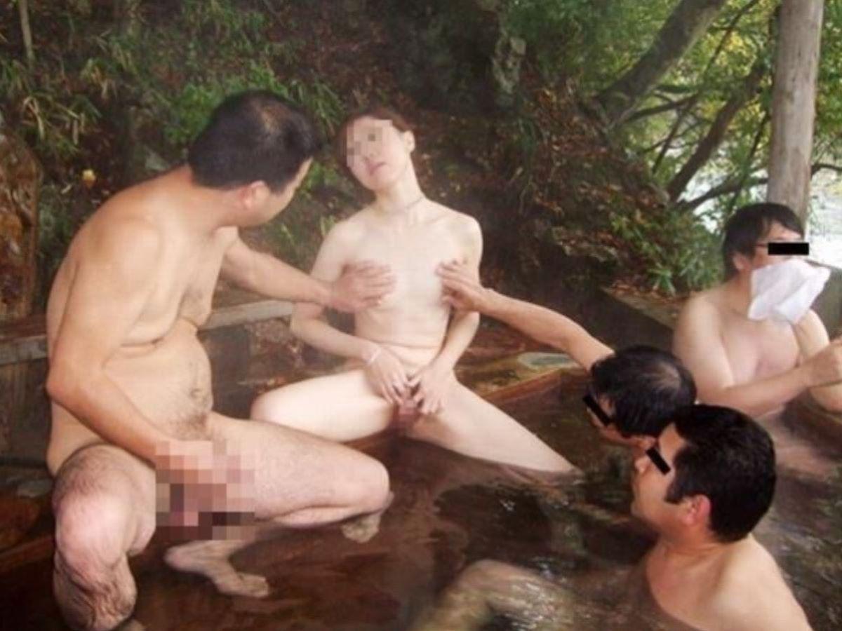 混浴 露天風呂 素人 熟女 ヌード画像 62