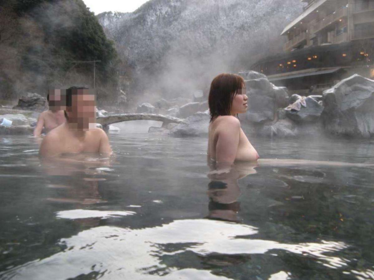 混浴 露天風呂 素人 熟女 ヌード画像 64