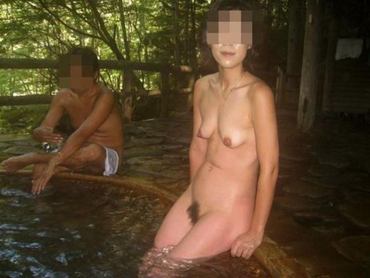 混浴 露天風呂 素人 熟女 ヌード画像 68
