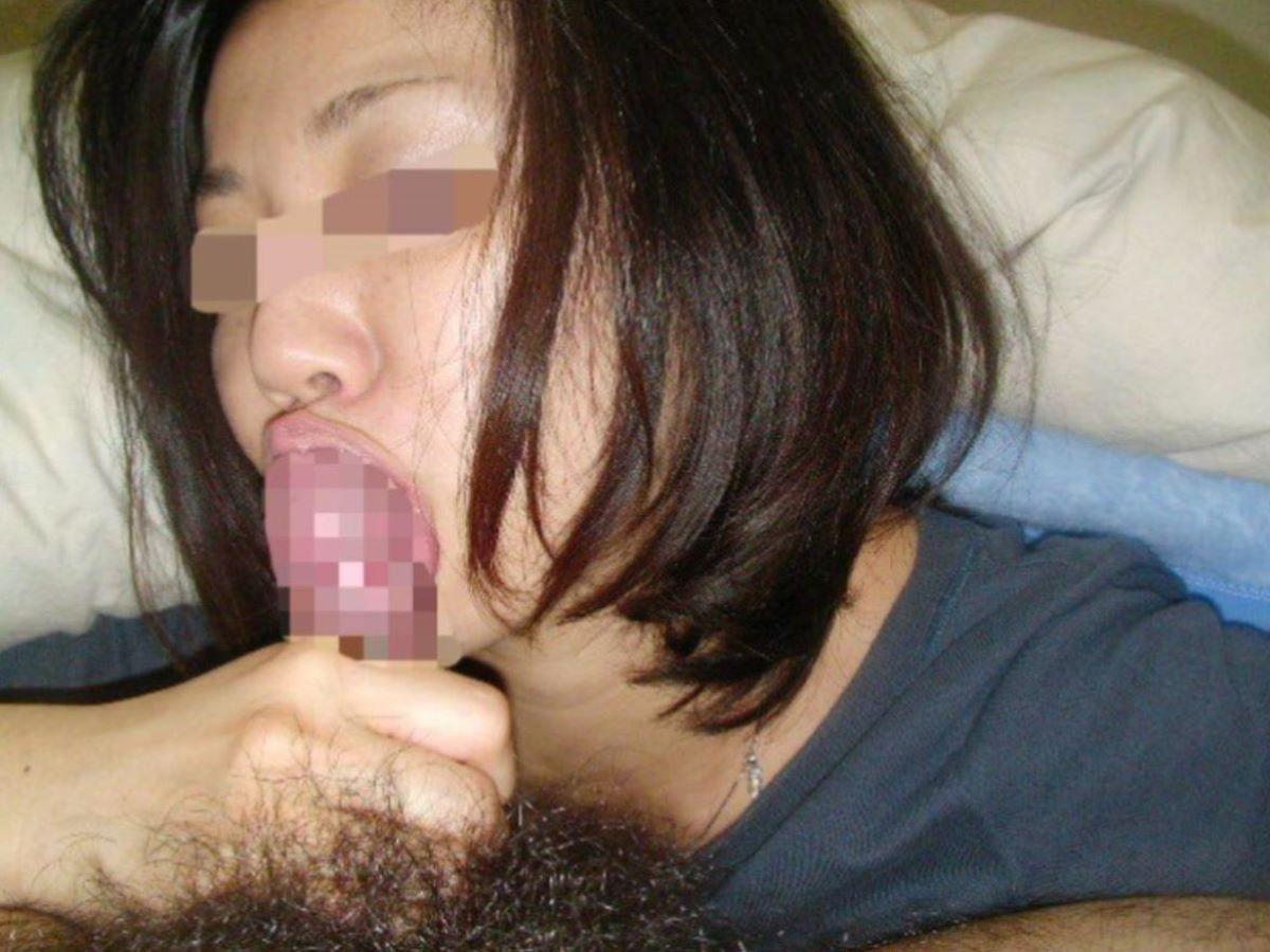 人妻 フェラチオ 画像 9