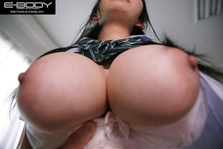 Jカップ 制服JK 中出しセックス画像 3
