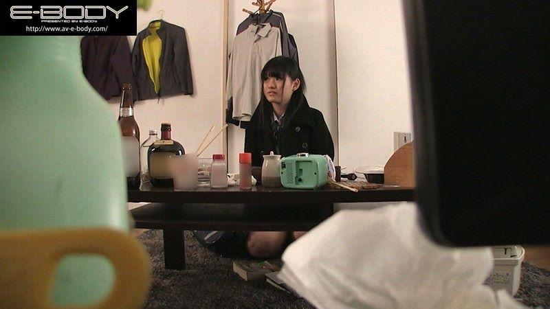 Jカップ 制服JK 中出しセックス画像 4