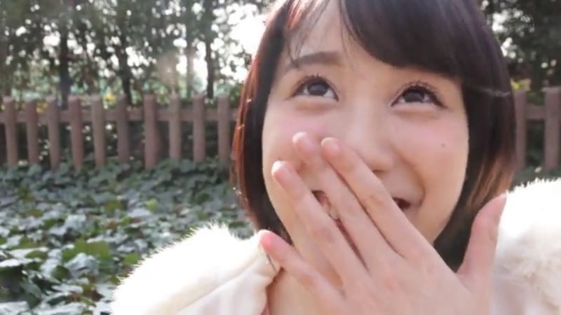 受付嬢 梨々花 エロ画像 27