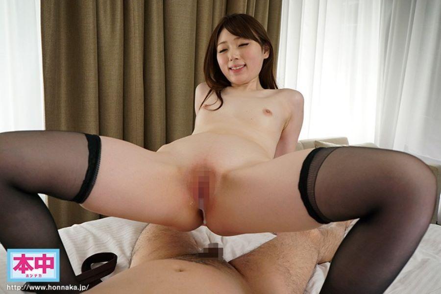 フェラ顔で抜ける美白パイパン美女のセックス画像 31