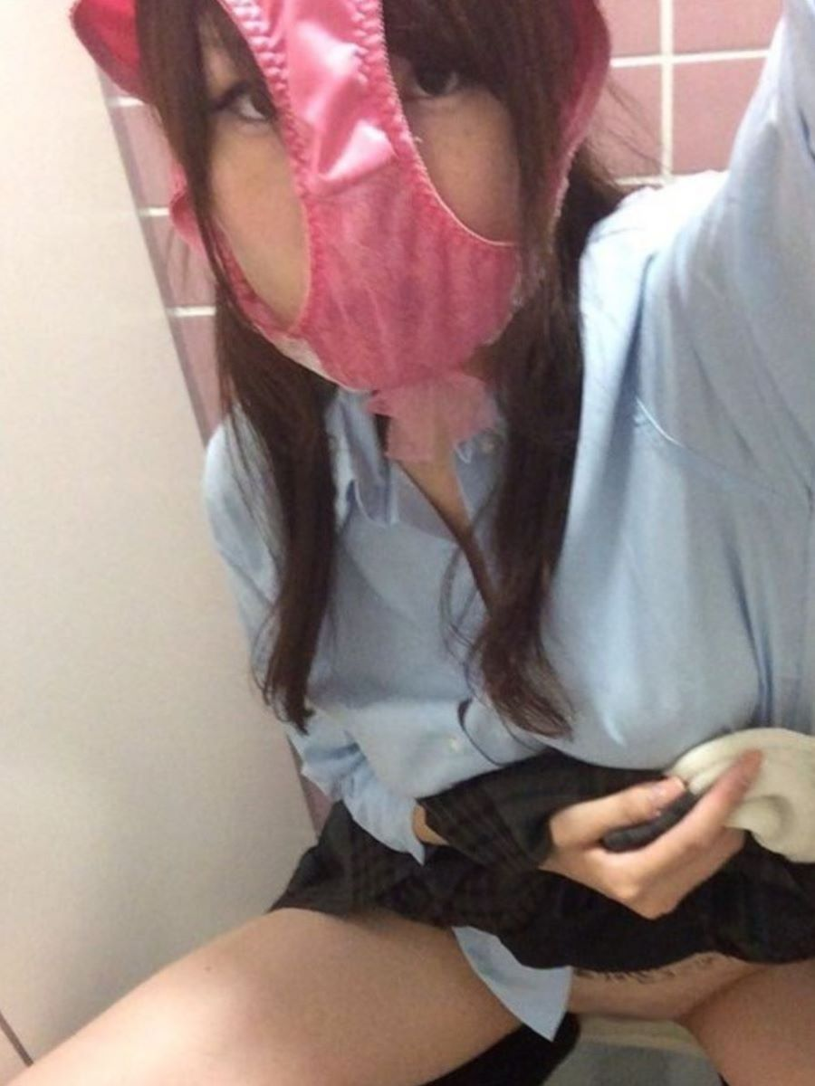 素人女がパンツを被った画像 3