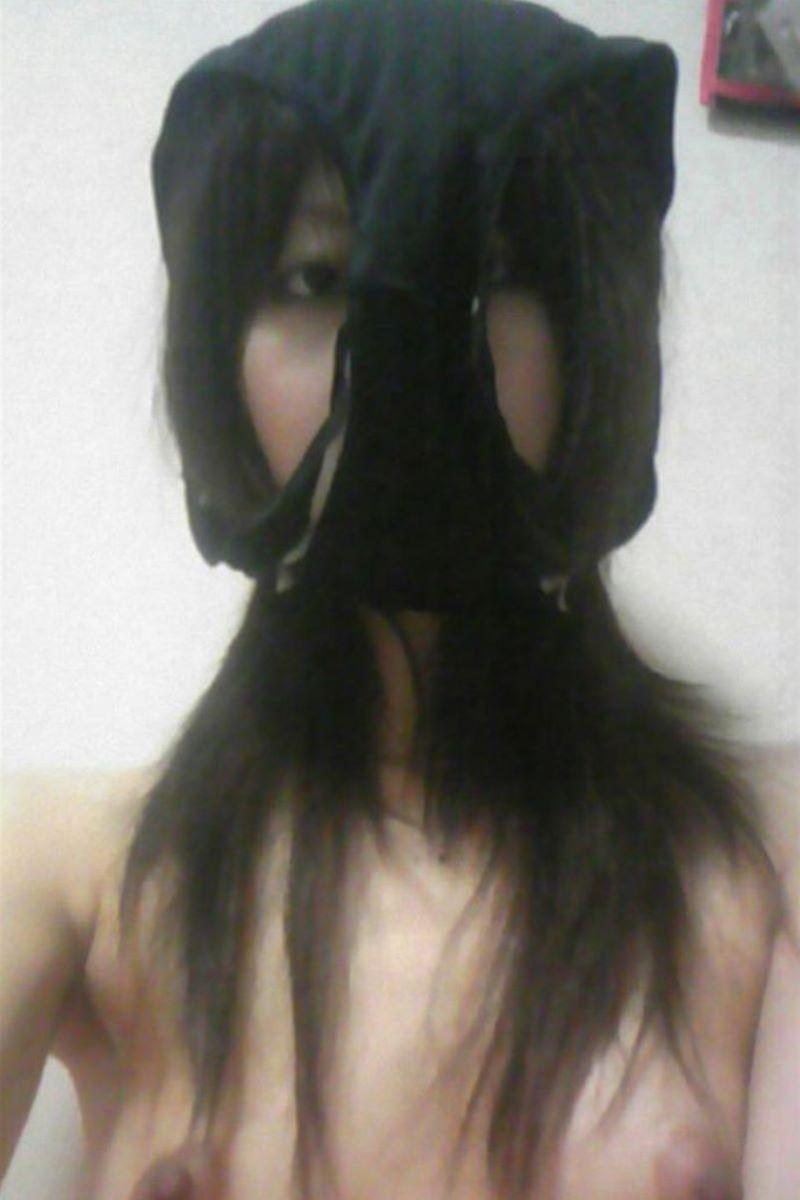 素人女がパンツを被った画像 32