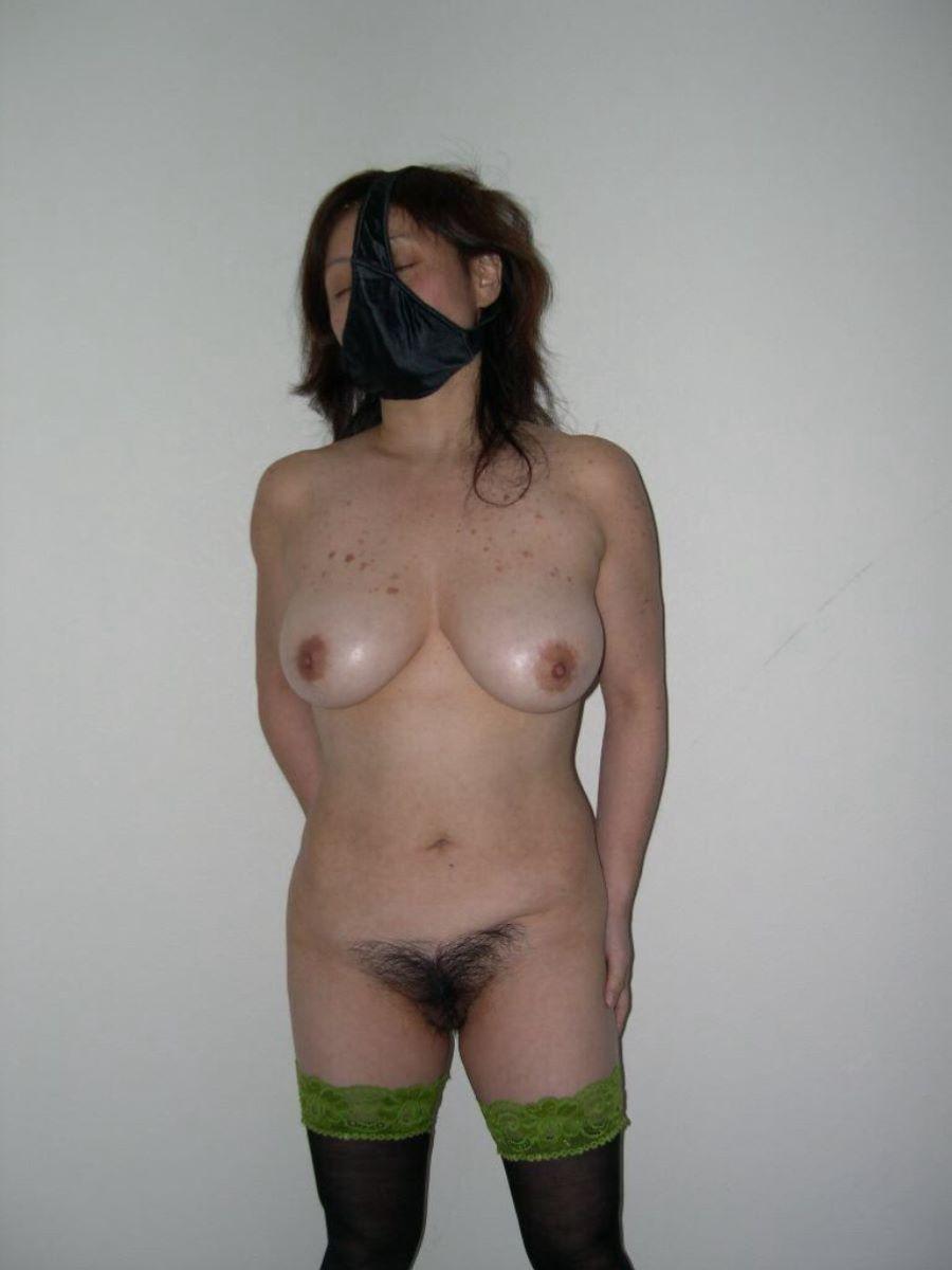 素人女がパンツを被った画像 107