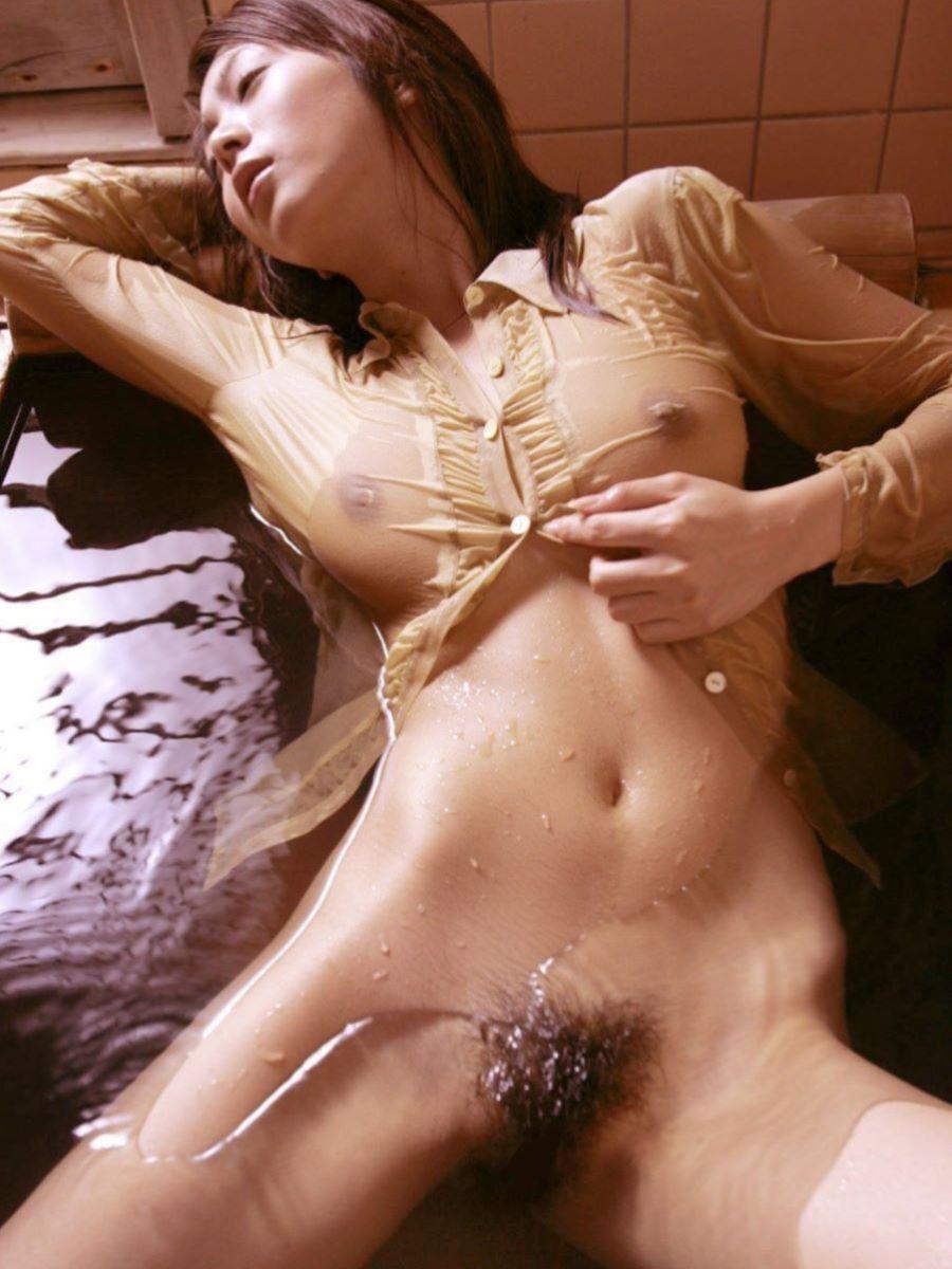 透け乳首 画像 32