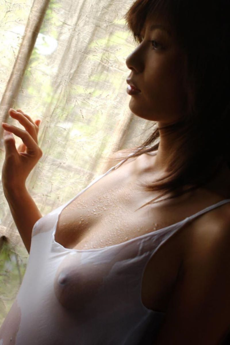 透け乳首 画像 111