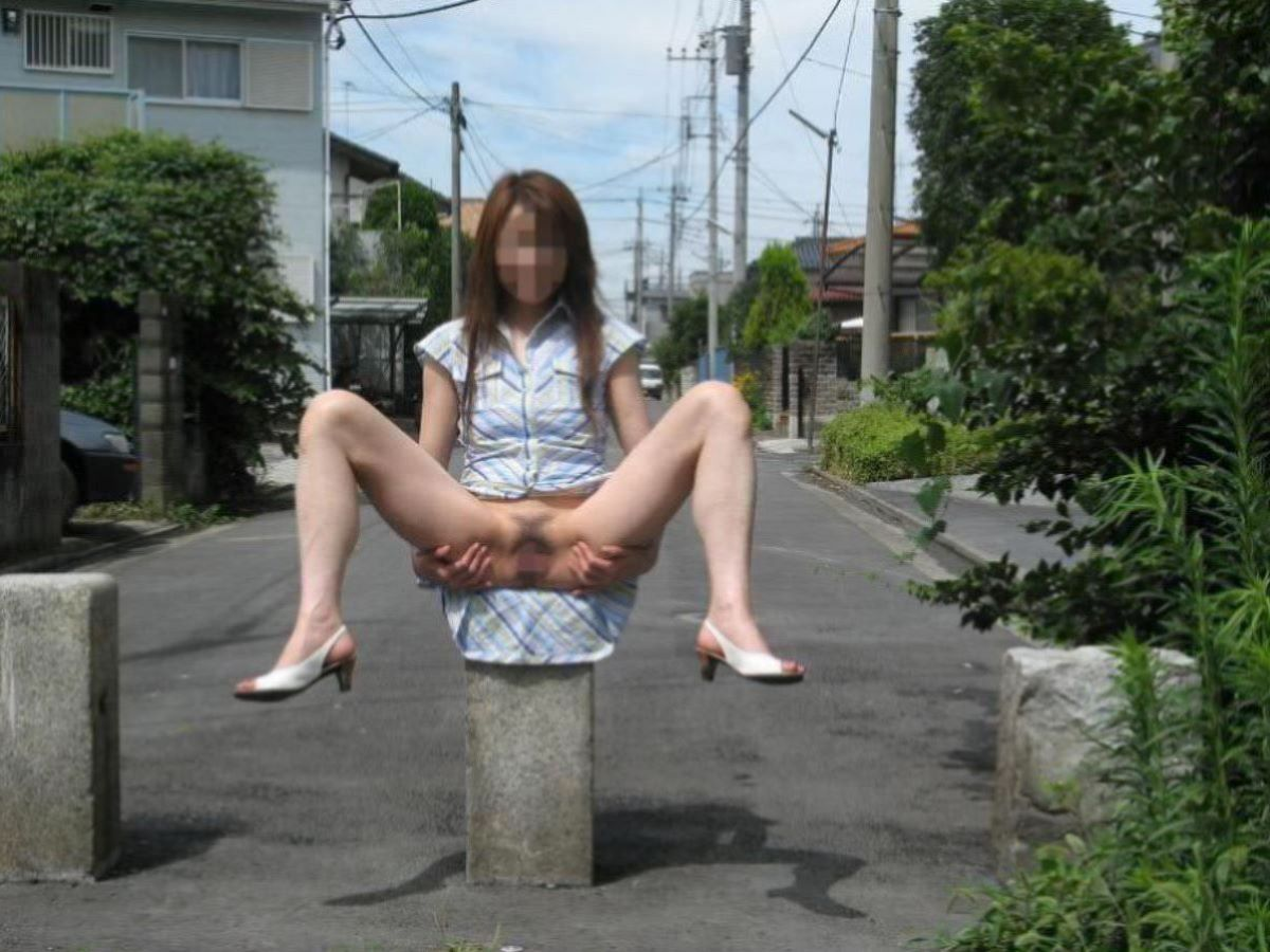ミニスカノーパン画像!!股間が涼しい素人の140枚