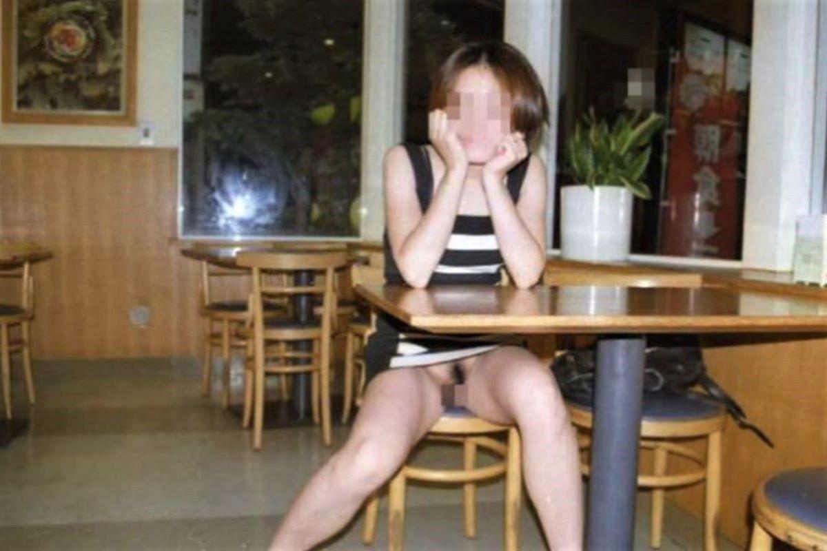 ミニスカ 素人 ノーパン画像 98