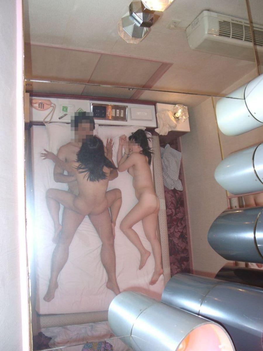 3P セックス画像 22