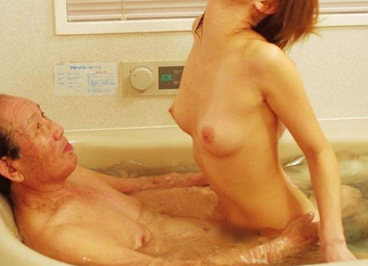 風呂場 入浴中 セックス画像 63
