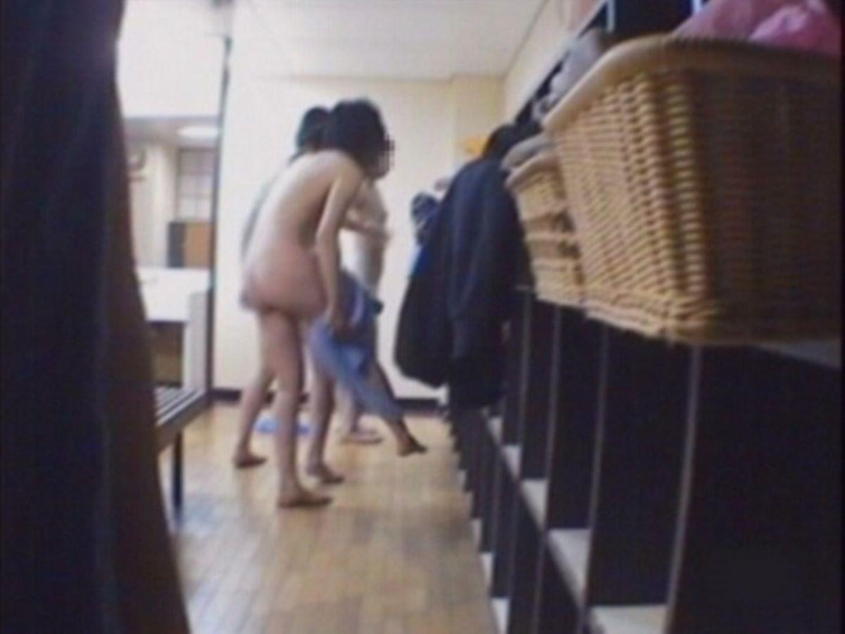銭湯 温泉 脱衣所 エロ画像 3