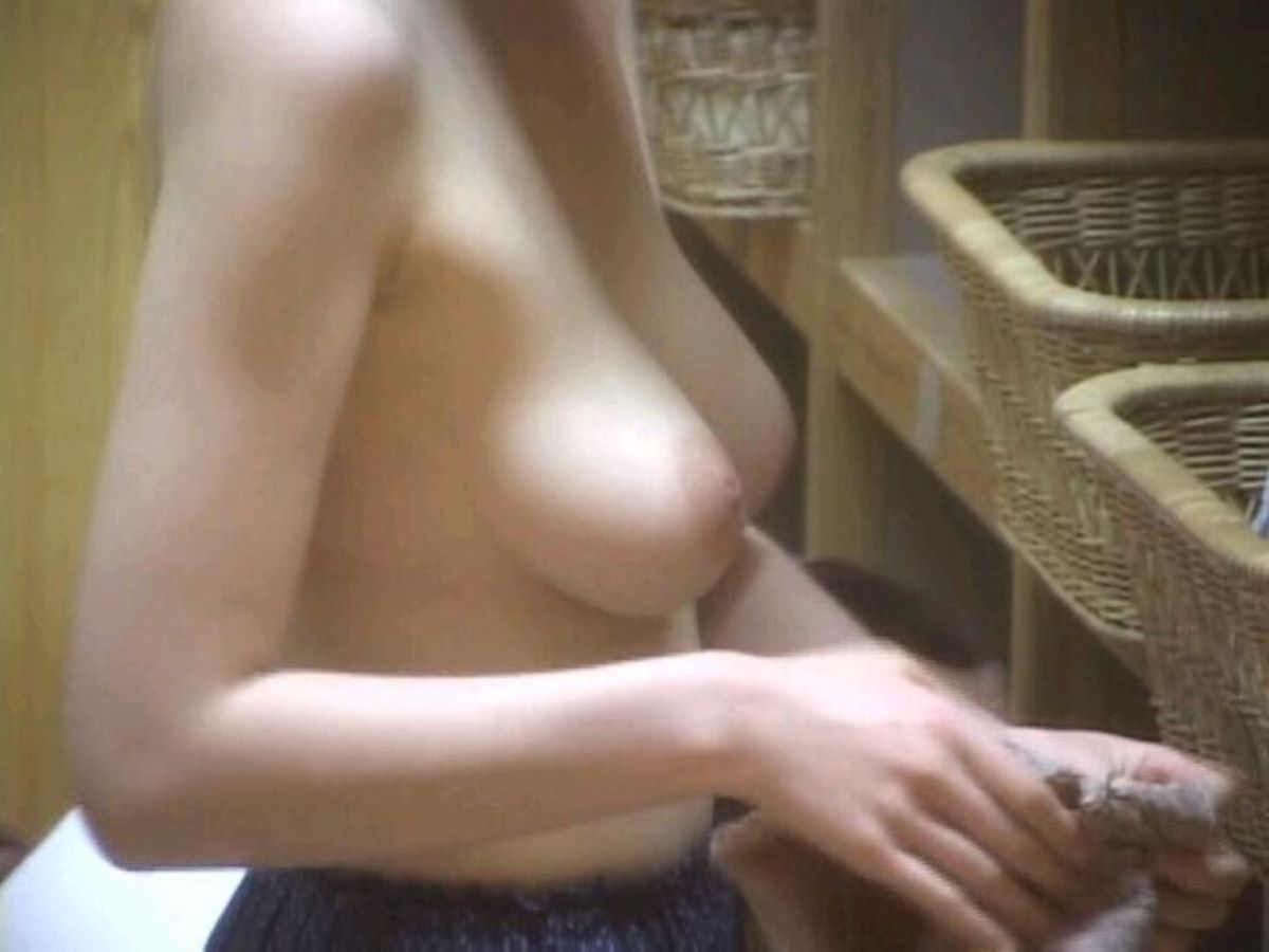 銭湯 温泉 脱衣所 エロ画像 6