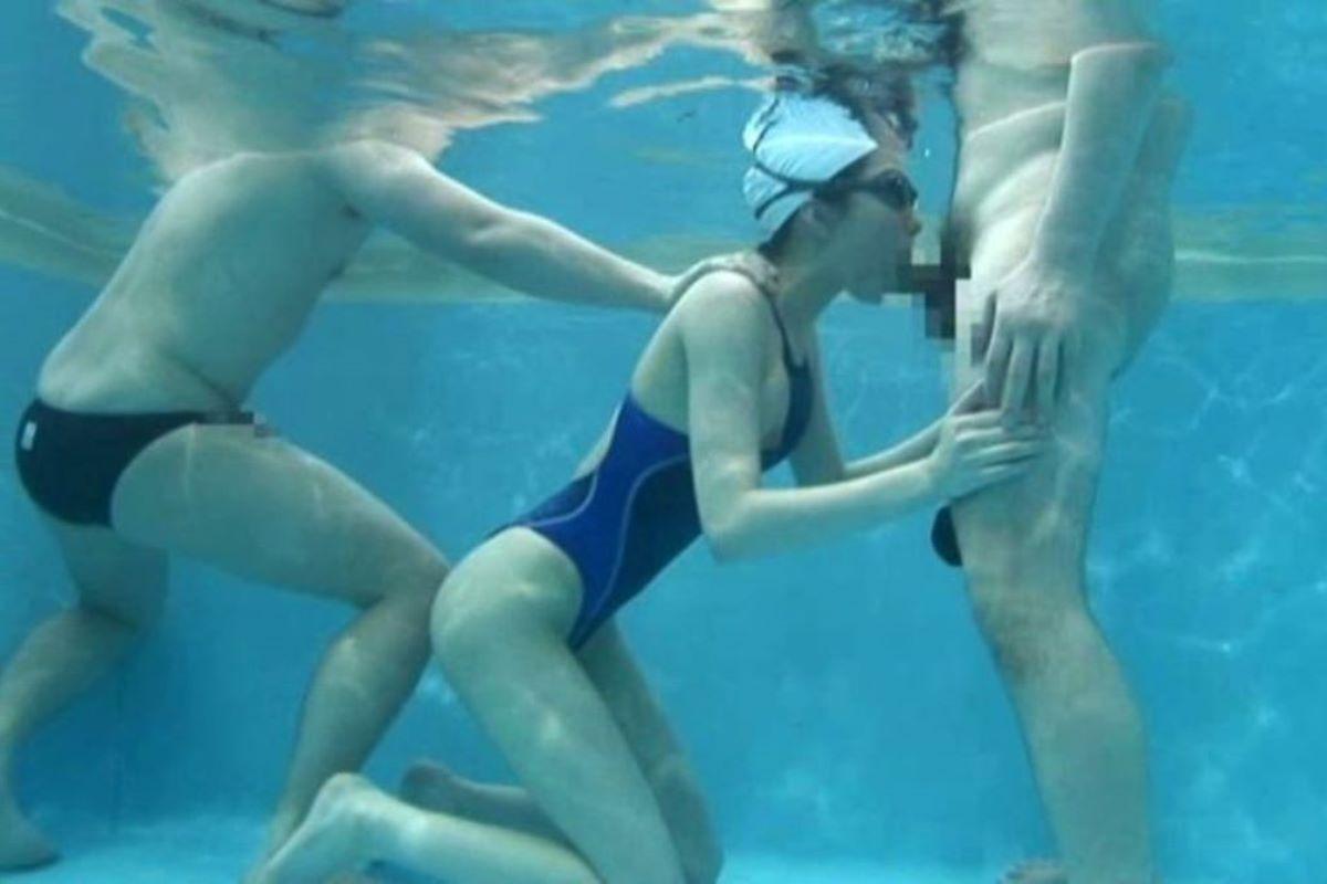 水中フェラ 水中クンニ エロ画像 37