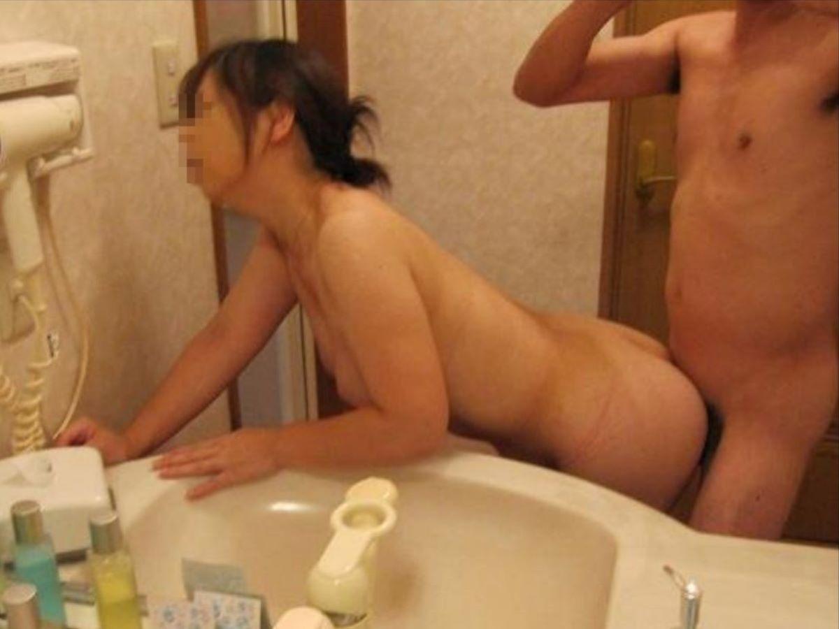素人 後背位 セックス エロ画像 57