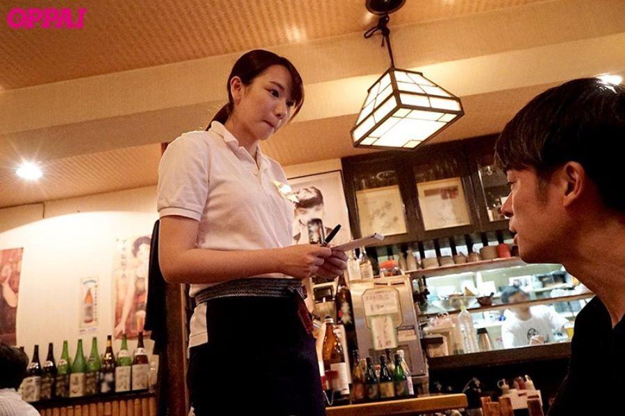 巨乳アルバイト店員 永井千里 エロ画像 2