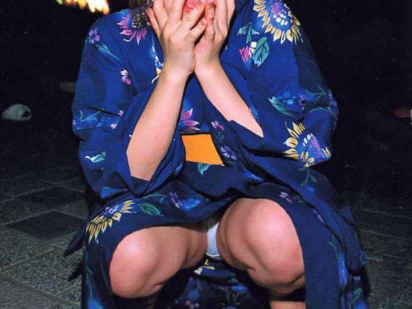 夏祭り 浴衣女子 パンチラ 祭り エロ画像 2