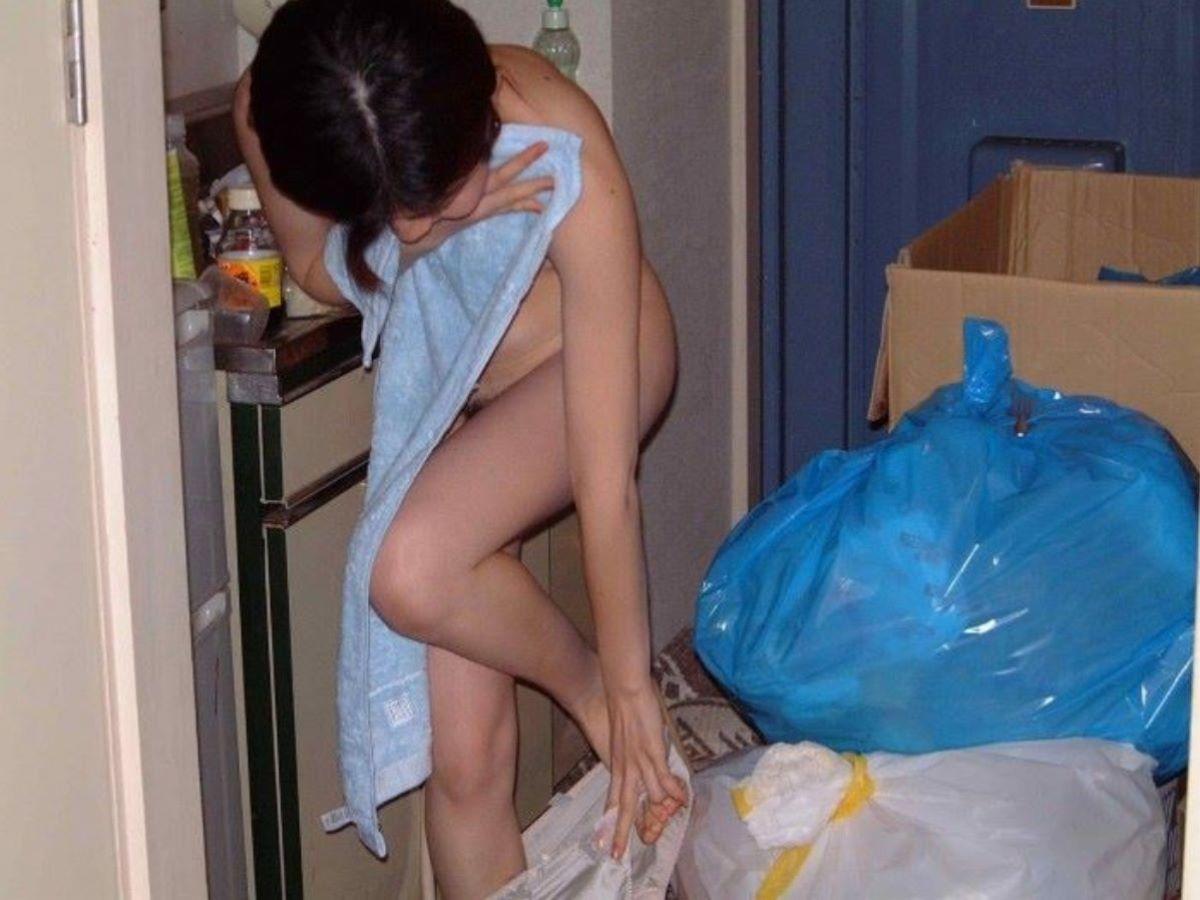 バスタオル姿 全裸 タオル一枚 エロ画像 29