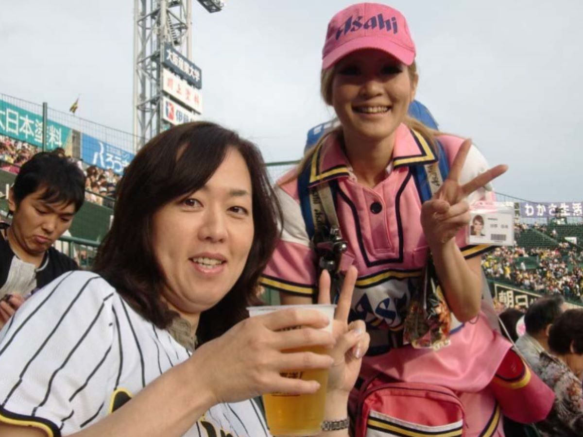 ビール売り子 エロ画像 20