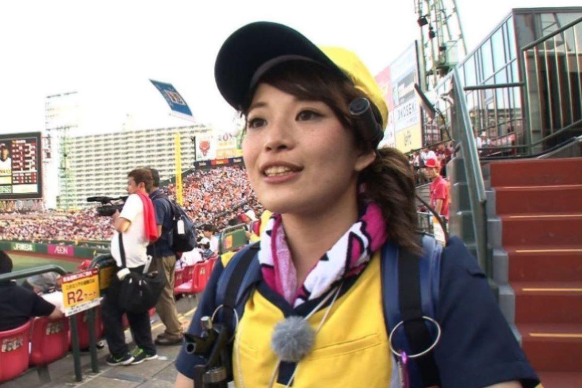 ビール売り子 エロ画像 29