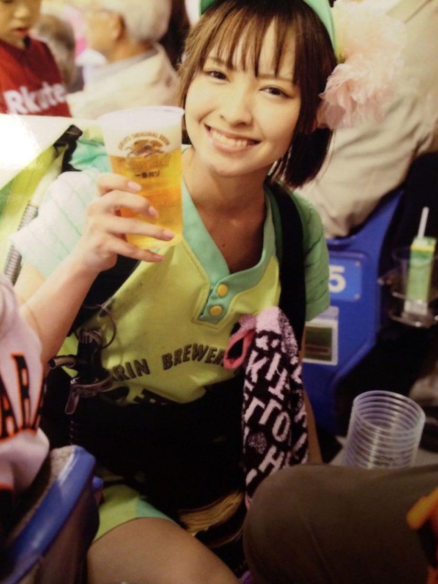 ビール売り子 エロ画像 51