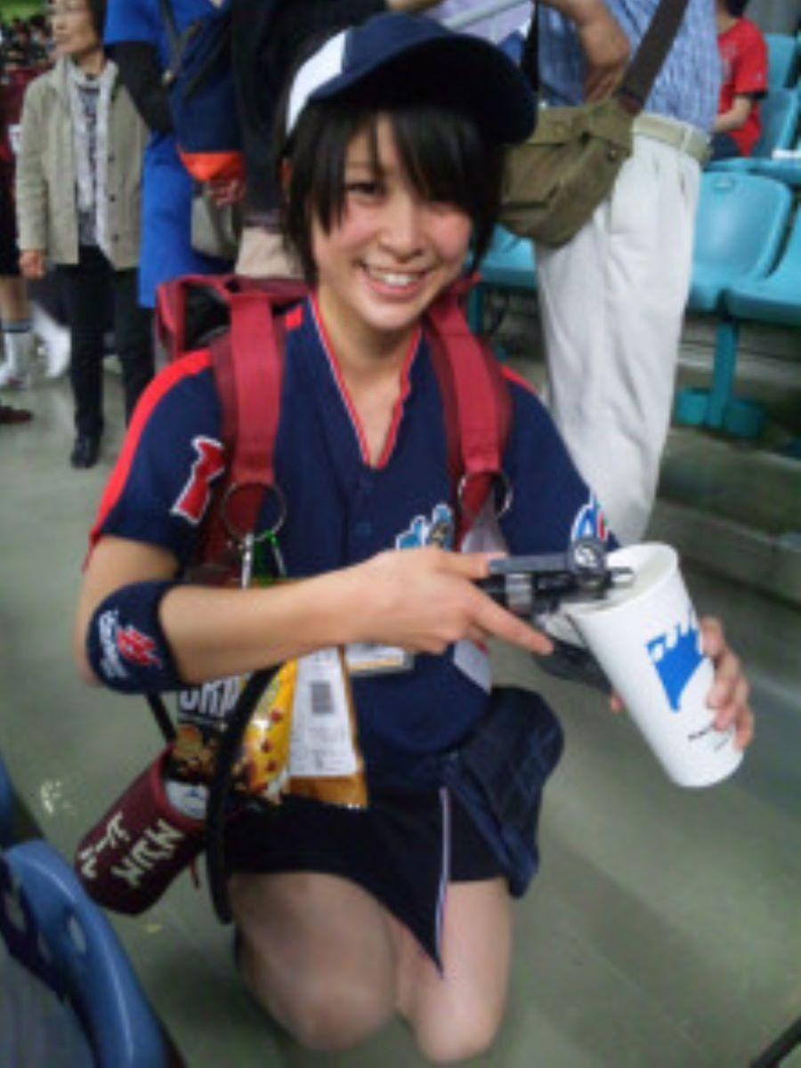 ビール売り子 エロ画像 71