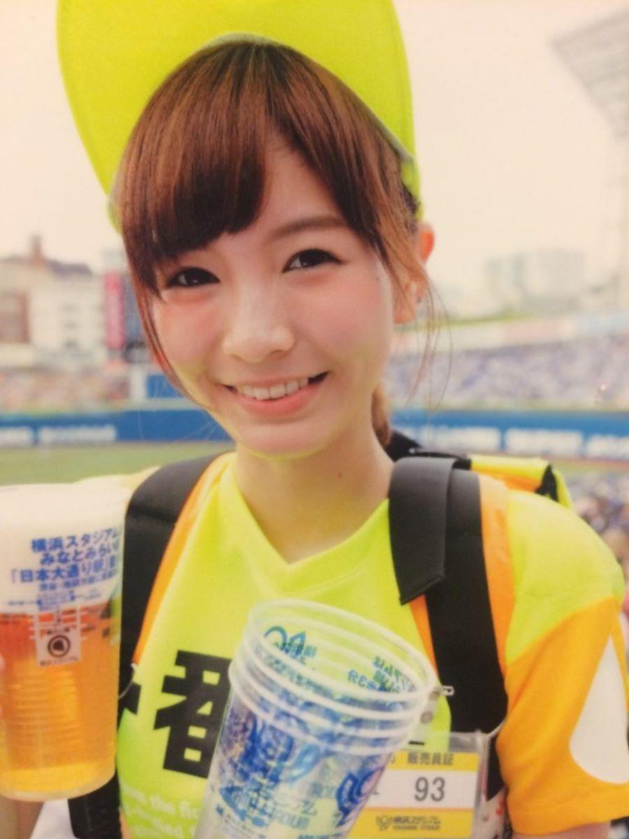 ビール売り子 エロ画像 76