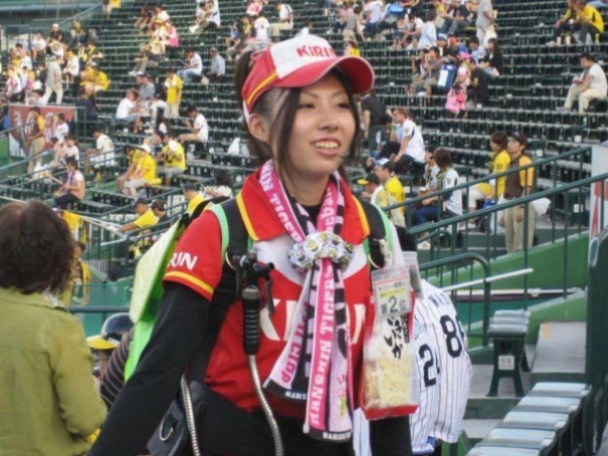 ビール売り子 エロ画像 88