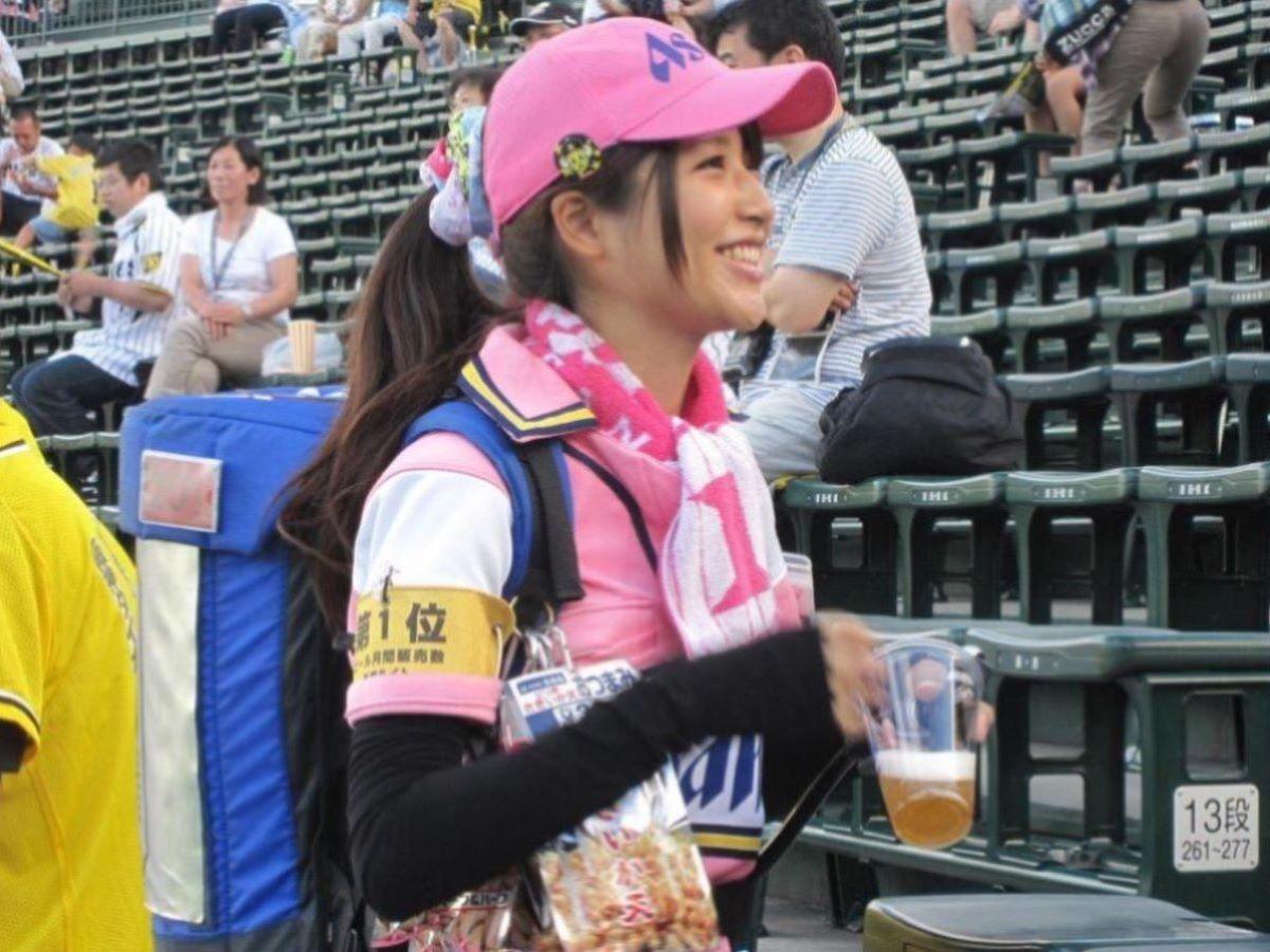 ビール売り子 エロ画像 91