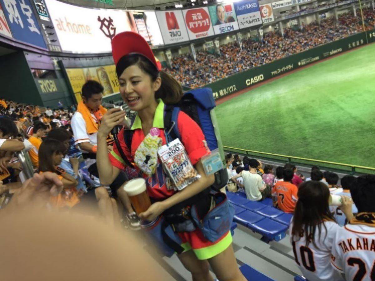 ビール売り子 エロ画像 96