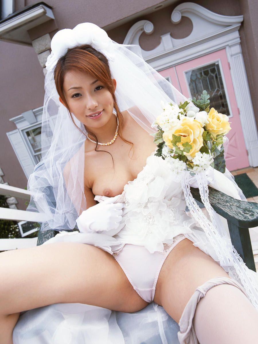 花嫁とウェディングドレスのエロ画像 17