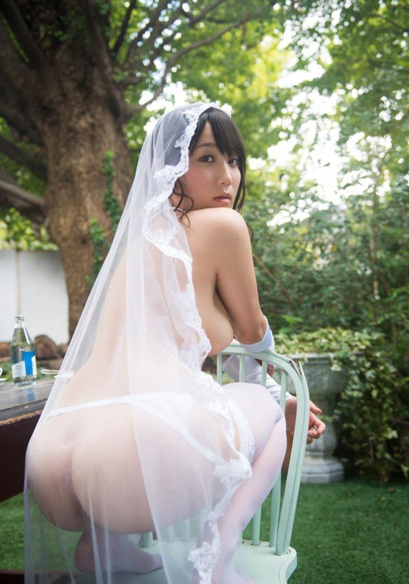 花嫁とウェディングドレスのエロ画像 24