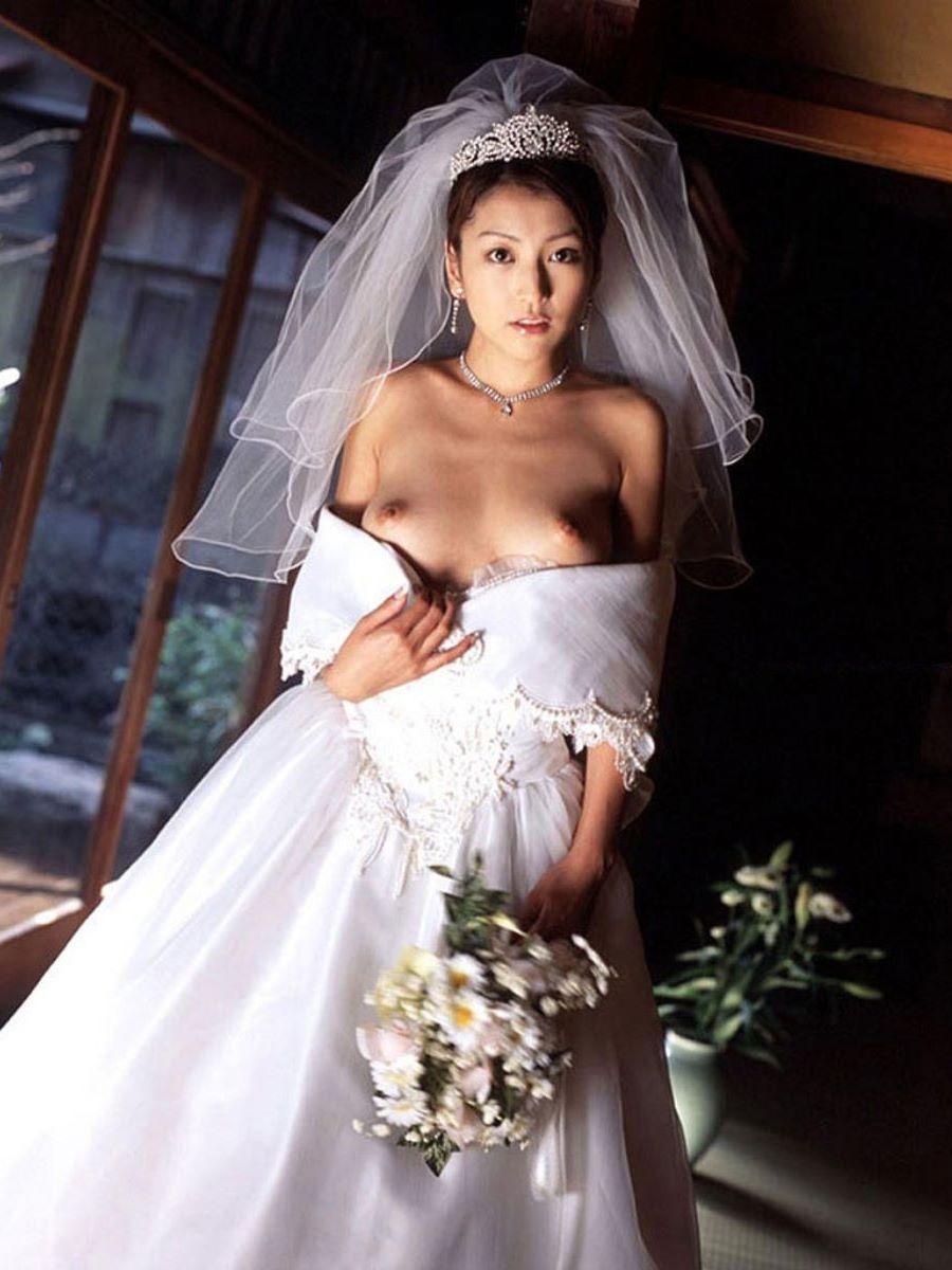 花嫁とウェディングドレスのエロ画像 32