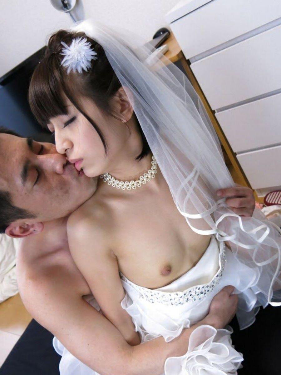 花嫁とウェディングドレスのエロ画像 33