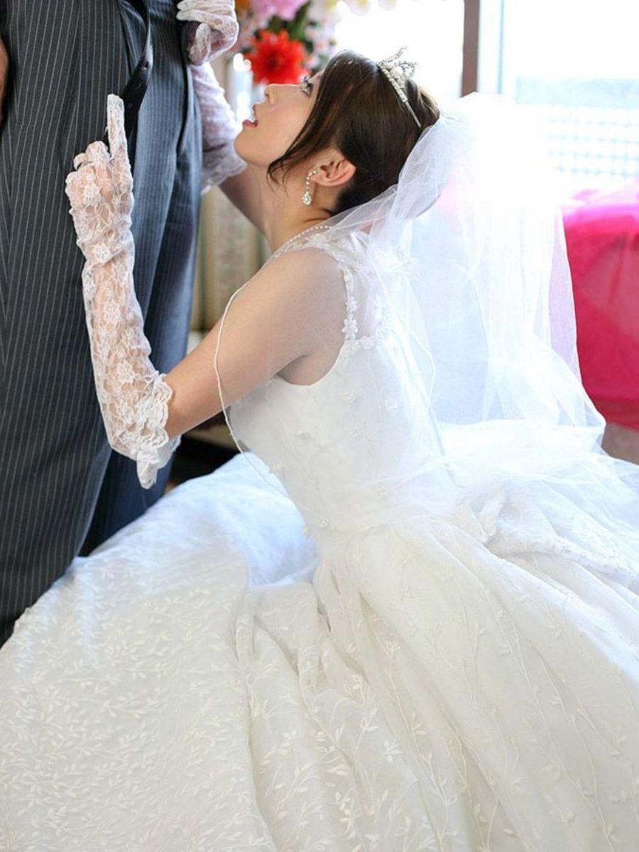 花嫁とウェディングドレスのエロ画像 42