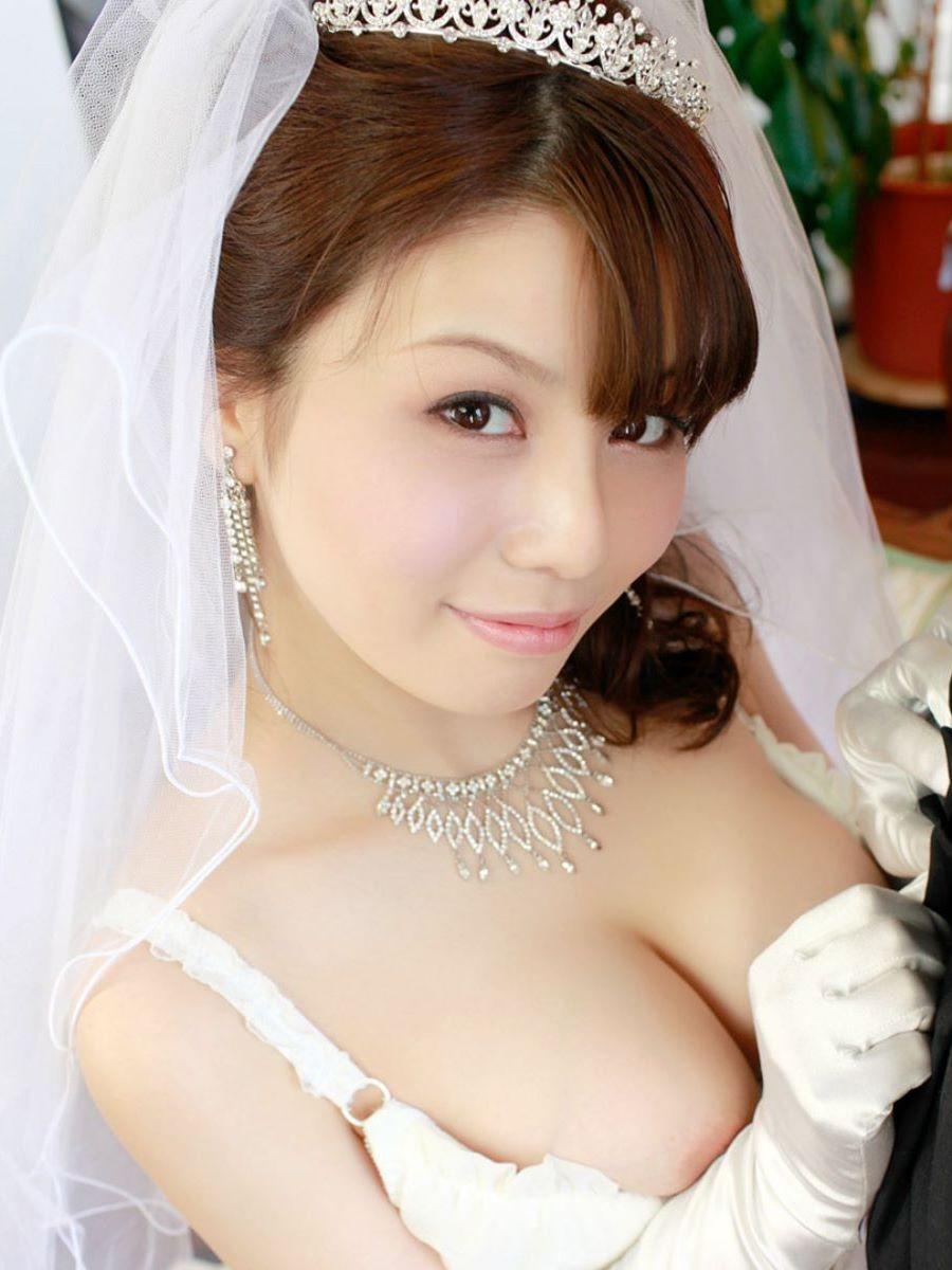 花嫁とウェディングドレスのエロ画像 62