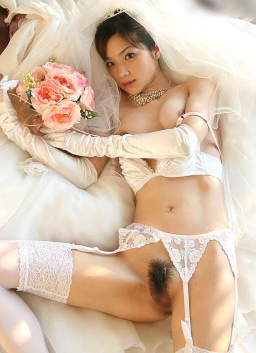 花嫁とウェディングドレスのエロ画像 65