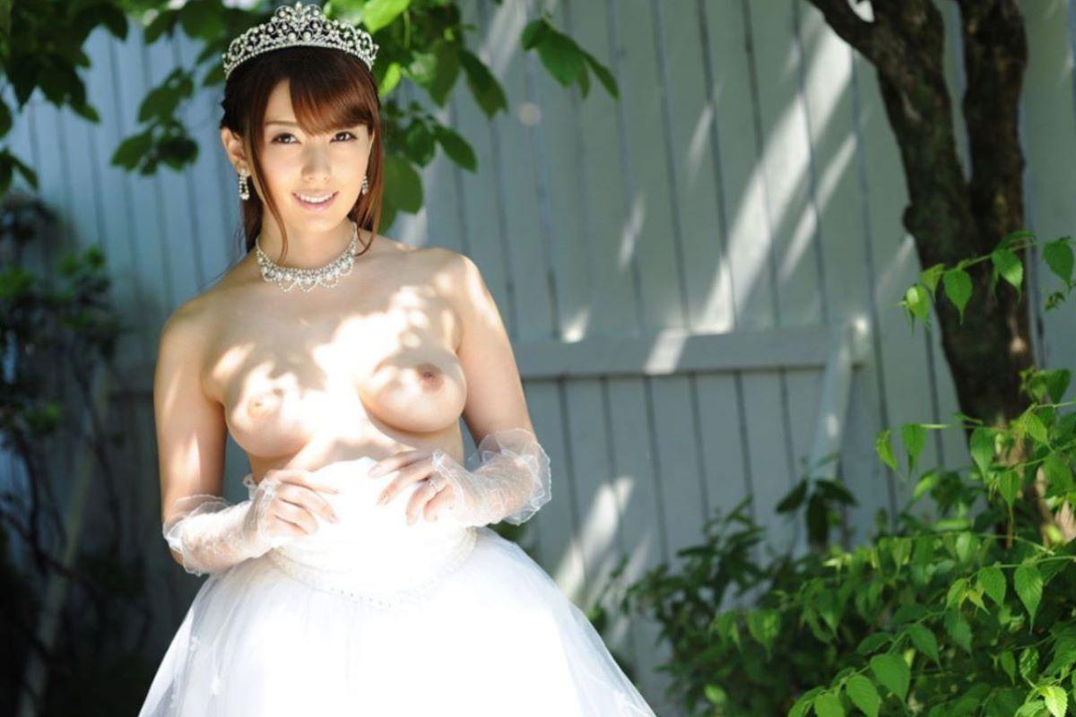 花嫁とウェディングドレスのエロ画像 83