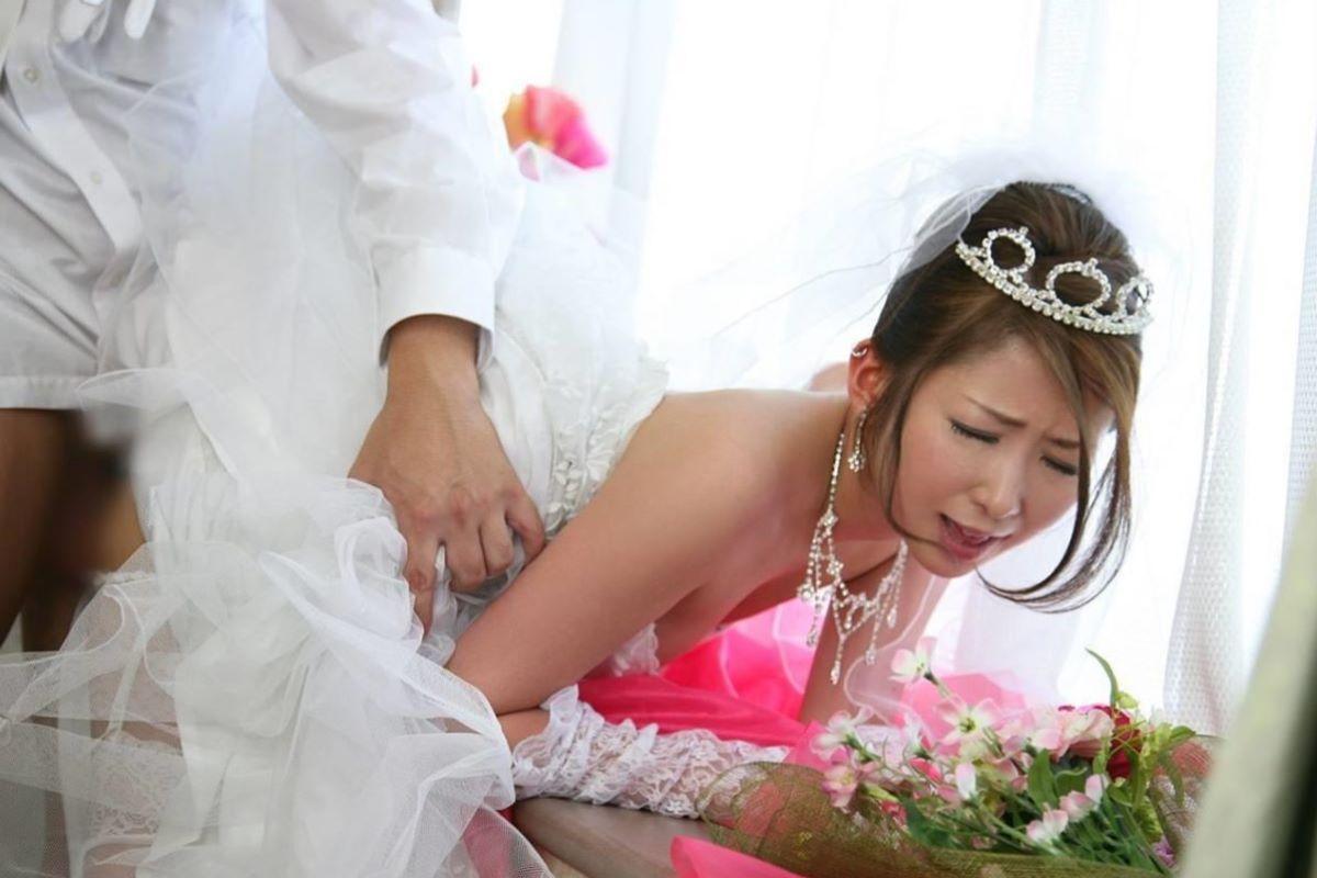 花嫁とウェディングドレスのエロ画像 91