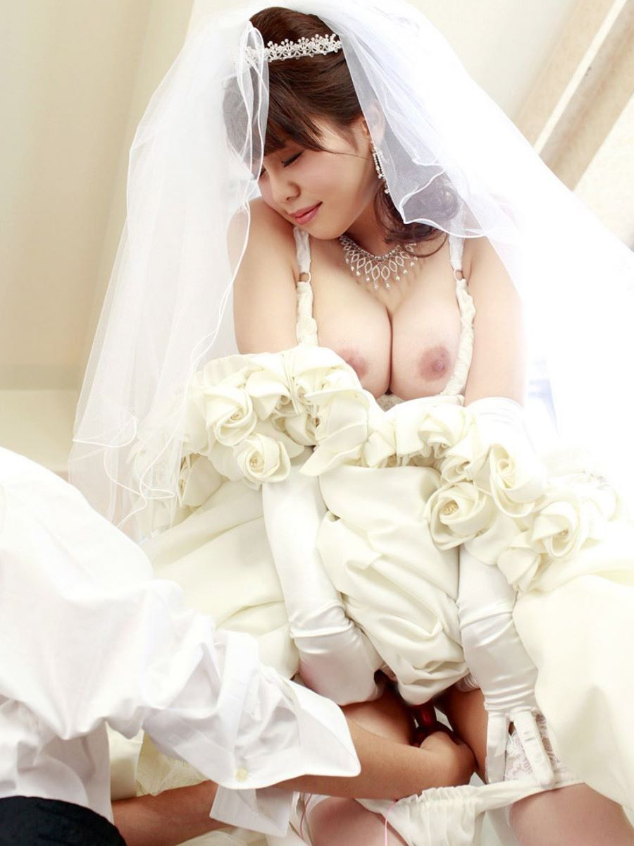 花嫁とウェディングドレスのエロ画像 92