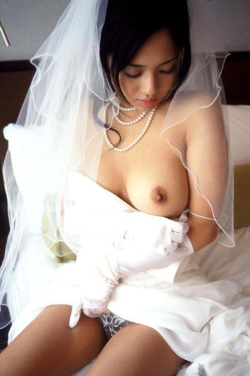 花嫁とウェディングドレスのエロ画像 110
