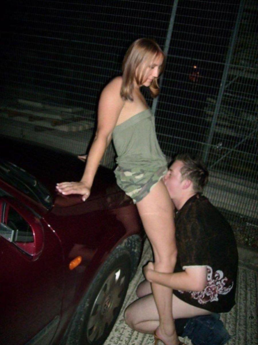クリトリスを舐める外国人クンニ画像 21